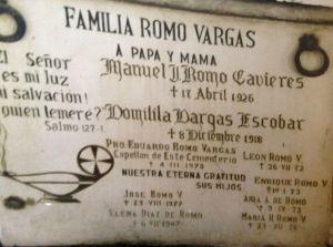 Lápida en el cementerio de Santiago, Chile